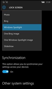 Dynamic Theme allows Windows 10 Mobile Lock Screen