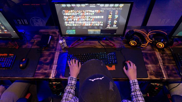 How streaming is evolving the gaming industry at a rapid rate of knots