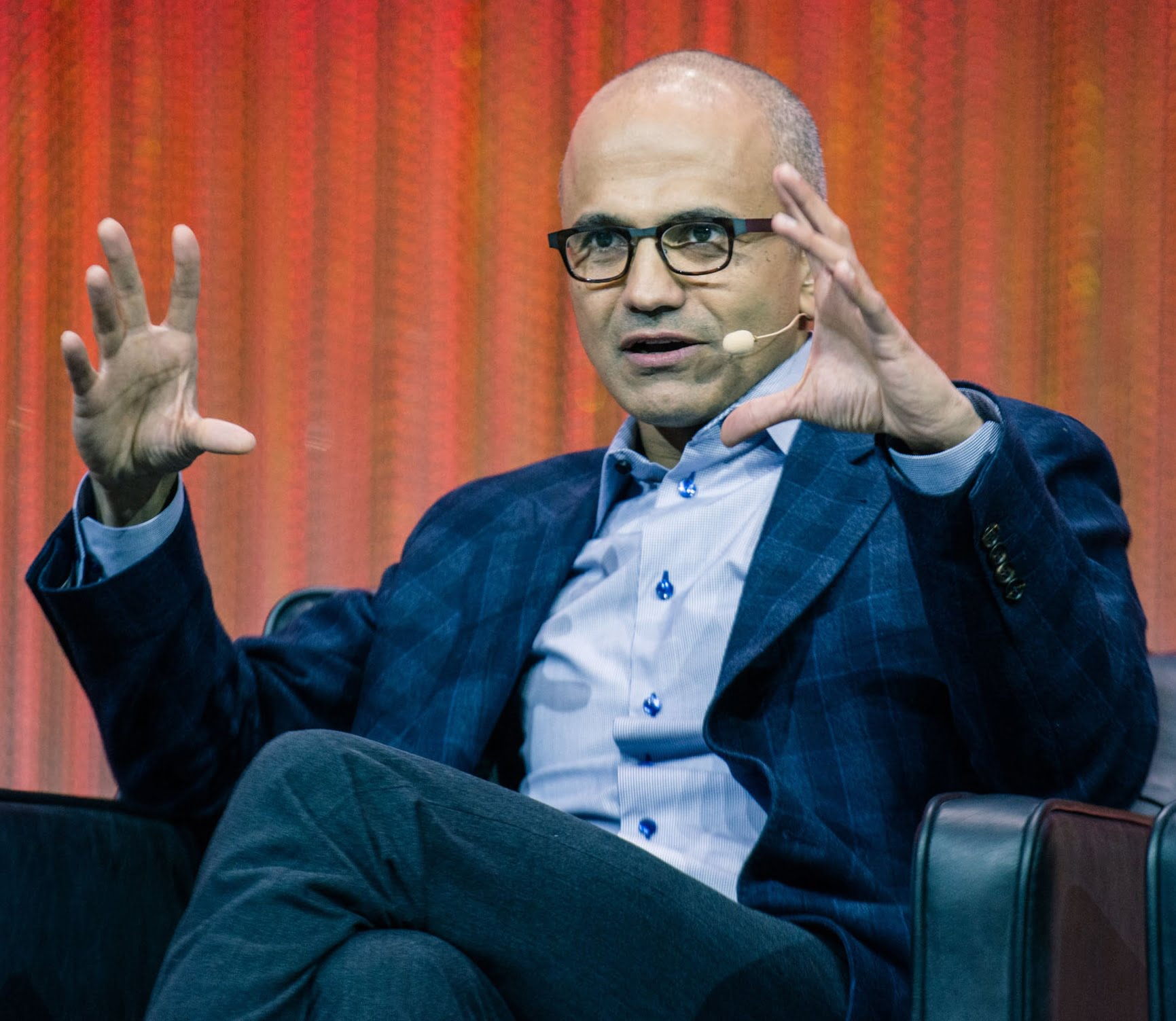 Satya Nadella Windows 10 Mobile